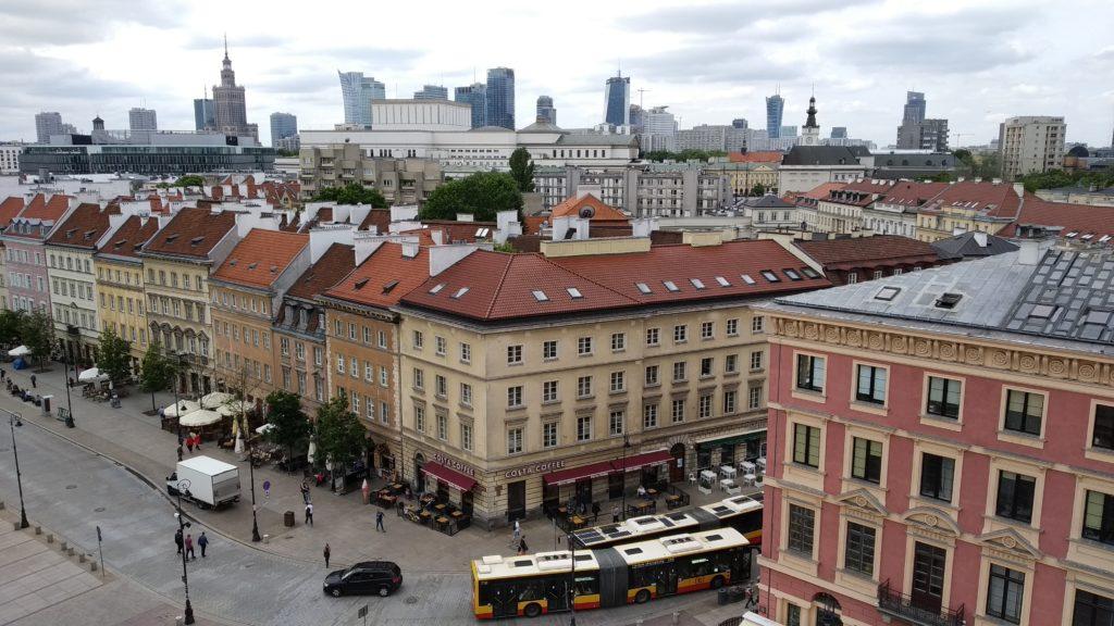 Centro histórico de Varsovia y centro financiero al fondo